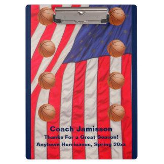クリップボード、米国旗、バスケットボールのコーチ クリップボード