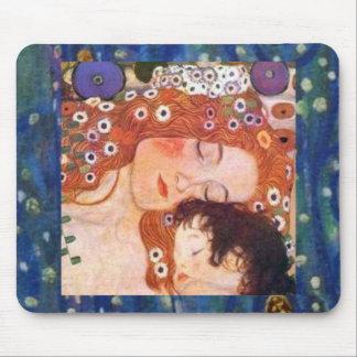 クリムトによる母そして子供 マウスパッド