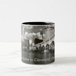 クリーブランド、オハイオ州へようこそ! ツートーンマグカップ