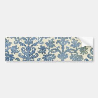 クリーム色のダマスク織の壁紙パターンの青 バンパーステッカー
