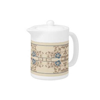 クリーム、コーヒーおよび青い縞