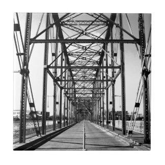 クルミの通り橋-チャタヌーガ、TN タイル