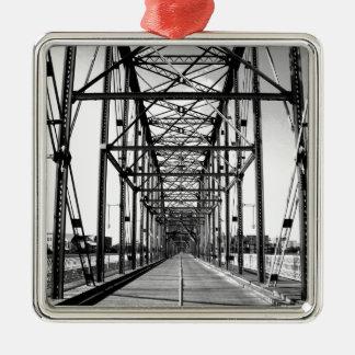 クルミの通り橋-チャタヌーガ、TN メタルオーナメント
