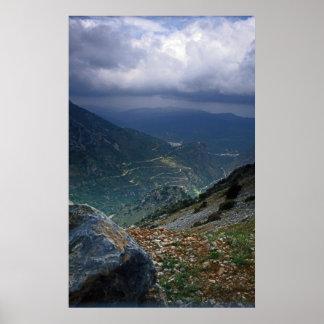 クレタの島の山の峡谷 ポスター