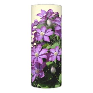 クレマチスによっては花の庭が開花します LEDキャンドル