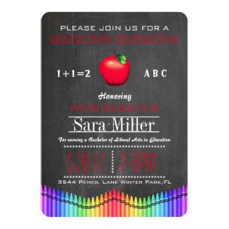 クレヨン及びAppleの先生の卒業の招待状 カード