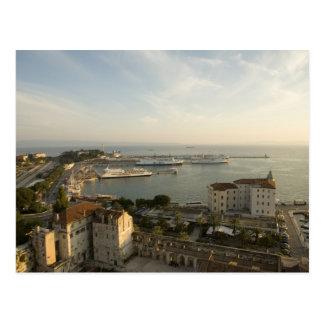 クロアチア、ダルマチアの割れ目。 Rivaの眺め ポストカード