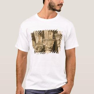 クロアチア、ダルマチア、ドゥブロブニク。 石造りのアーチ Tシャツ