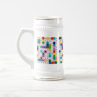 クロスワードパズルのデザインのスペインのな月のステイン ビールジョッキ