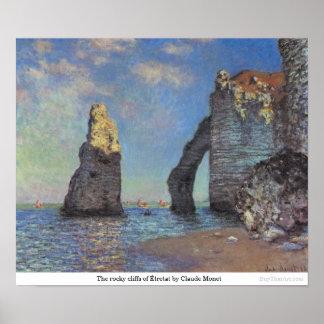 クロード・モネ著Étretatの岩が多い崖 ポスター