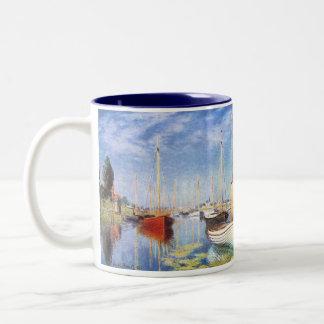 クロード・モネ: アルジャントゥーユのレジャー用ボート ツートーンマグカップ