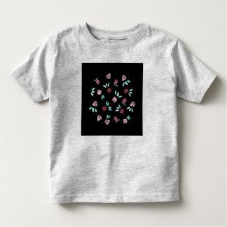 クローバーによっては幼児のTシャツが開花します トドラーTシャツ
