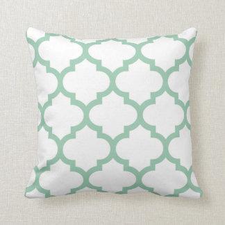 クローバーの枕-アメリカツガの緑 クッション