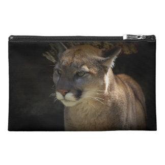 クーガーのオオヤマネコ及び荒野の洞窟の野性生物 トラベルアクセサリーバッグ