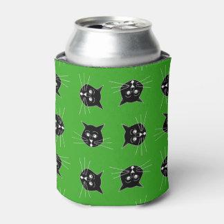 クーラーボックスの緑の背景の熱狂するな猫 缶クーラー