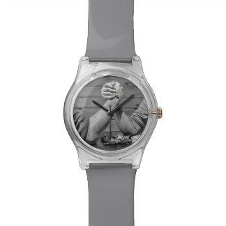 クールなアームレスリングの腕時計 腕時計