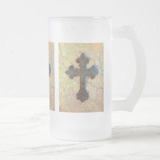 クールなキリスト教の十字の円のモザイク模様 フロストグラスビールジョッキ