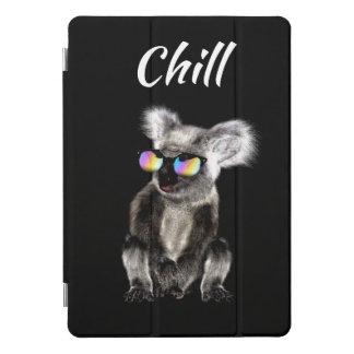 クールなコアラの身に着けているサングラス iPad PROカバー