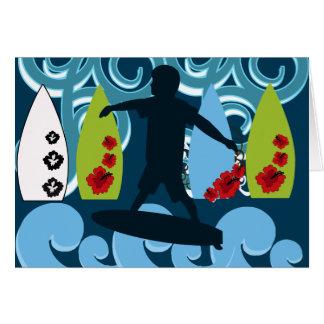 クールなサーファーの男のサーフィンのビーチの海のデザイン カード