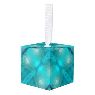 クールなティール(緑がかった色)の青い液体のプラスチックデザイン1264年 キューブオーナメント
