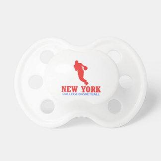 クールなニューヨークのバスケットボールのデザイン おしゃぶり