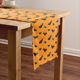 クールなハロウィンはパターンを打ちます ショートテーブルランナー