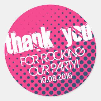クールなハーフトーンのパーティの石のステッカーのピンクおよび青 ラウンドシール