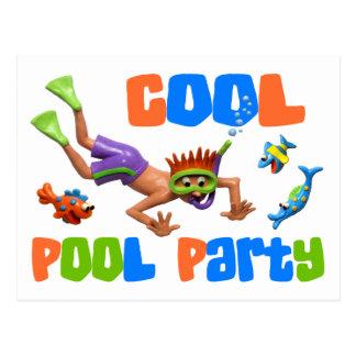 クールなプールを囲んでのパーティ ポストカード