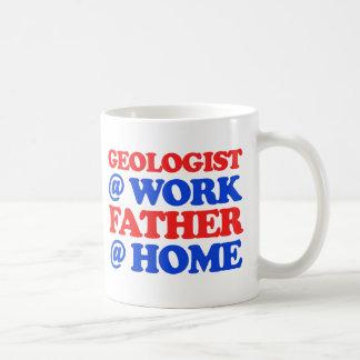 クールな地質学者のデザイン コーヒーマグカップ