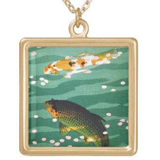クールな東洋の幸運なコイはエメラルド水芸術を採取します ゴールドプレートネックレス