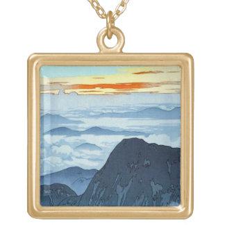 クールな東洋の日本人の吉田山の景色 ゴールドプレートネックレス
