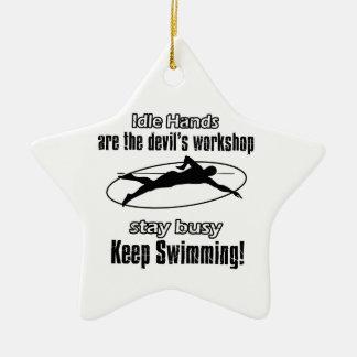 クールな水泳のデザイン セラミックオーナメント
