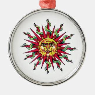クールな漫画の入れ墨の記号の太陽神の顔の頭部 メタルオーナメント