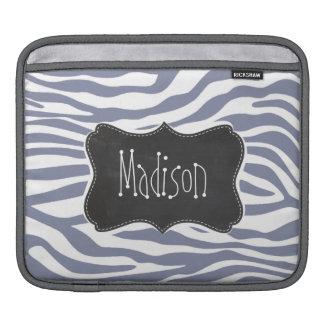 クールな灰色のシマウマは縞で飾ります; ヴィンテージの黒板の一見 iPadスリーブ