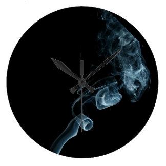クールな煙 ラージ壁時計