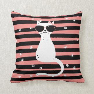 クールな猫の枕 クッション