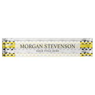 クールな白黒の黄色のストライプの種族パターン デスクネームプレート