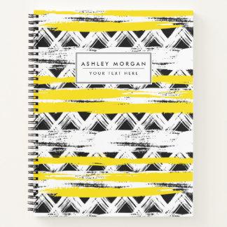クールな白黒の黄色のストライプの種族パターン ノートブック