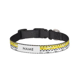 クールな白黒の黄色のストライプの種族パターン ペット首輪