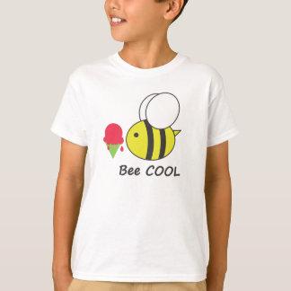 クールな蜂 Tシャツ