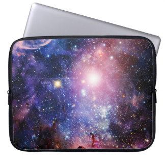 クールな銀河系の星雲 ラップトップスリーブ