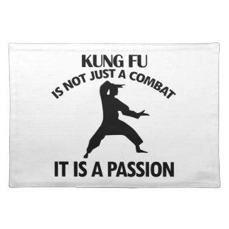 クールなKungのfuのデザイン ランチョンマット