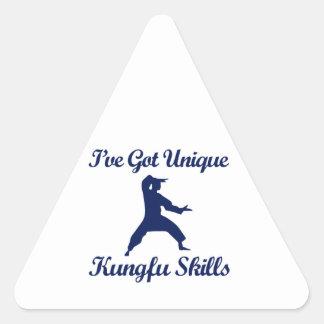 クールなkungのfuのデザイン 三角形シール