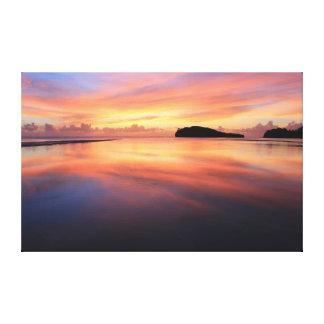 グアムの美しい日没 キャンバスプリント