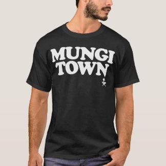 グアムは671 Mungiの町を走ります Tシャツ