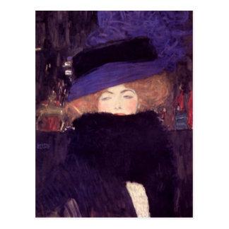 グスタフのクリムトによる帽子そしてボアを持つ女性 ポストカード