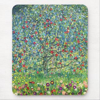 グスタフのクリムト: りんごの木 マウスパッド