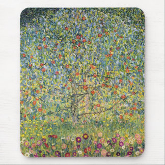 グスタフのクリムト、ヴィンテージアールヌーボーによるりんごの木 マウスパッド