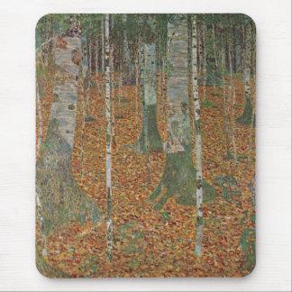 グスタフのクリムト、ヴィンテージアールヌーボーによる樺の木の森林 マウスパッド