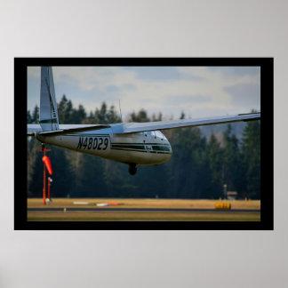 グライダーの着陸 ポスター